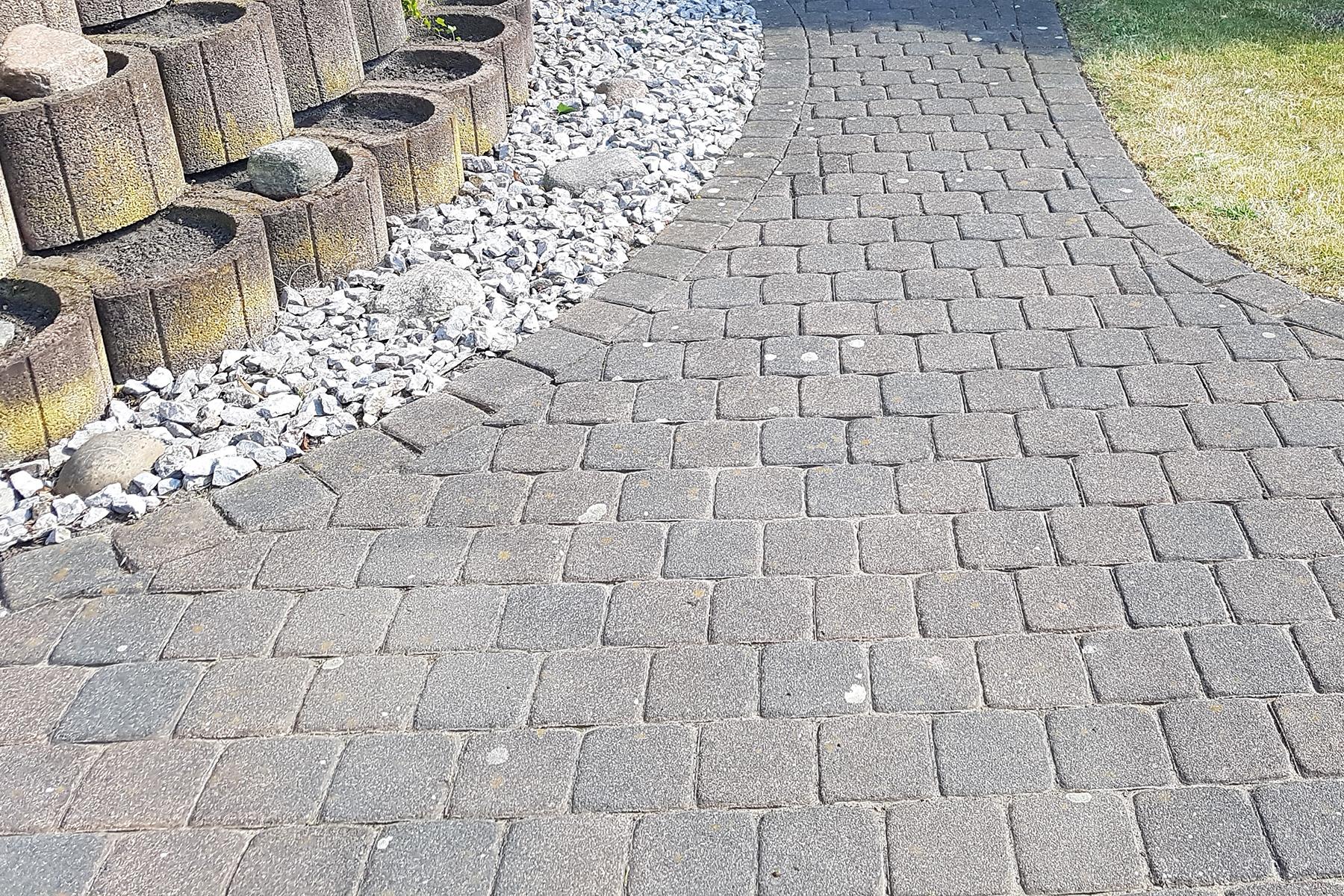 Gartenpflege Wojtkowski Gartenweg aus Betonstein